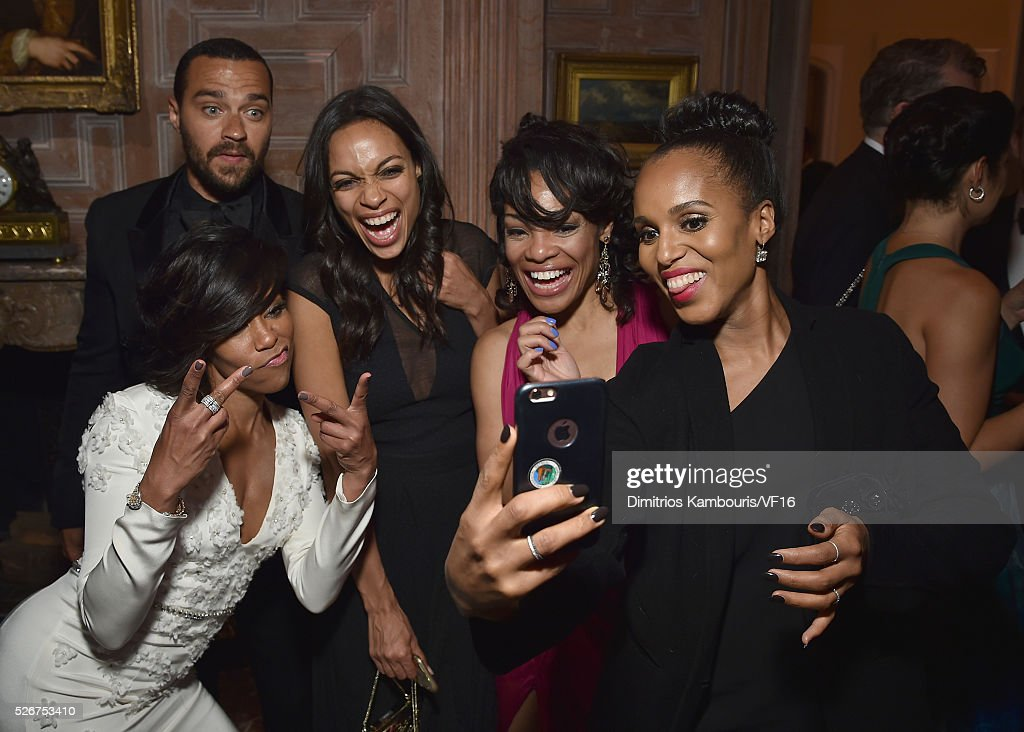 Jesse Williams, Regina King, Rosario Dawson and Kerry Washington attend the Bloomberg & Vanity Fair cocktail reception following the 2015 WHCA Dinner at the residence of the French Ambassador on April 30, 2016 in Washington, DC.