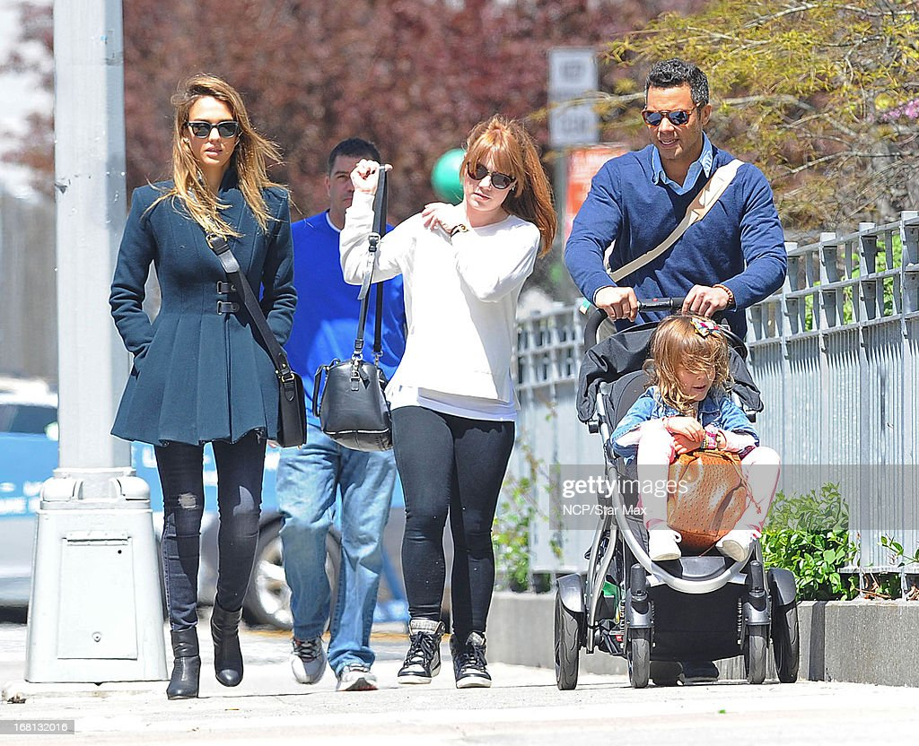 <a gi-track='captionPersonalityLinkClicked' href=/galleries/search?phrase=Jessica+Alba&family=editorial&specificpeople=201811 ng-click='$event.stopPropagation()'>Jessica Alba</a>, <a gi-track='captionPersonalityLinkClicked' href=/galleries/search?phrase=Cash+Warren&family=editorial&specificpeople=657410 ng-click='$event.stopPropagation()'>Cash Warren</a> and <a gi-track='captionPersonalityLinkClicked' href=/galleries/search?phrase=Honor+Warren&family=editorial&specificpeople=5597892 ng-click='$event.stopPropagation()'>Honor Warren</a> as seen on May 5, 2013 in New York City.