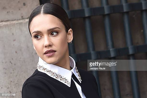 Jessica Alba is seen arriving at Dior fashion show during Paris Fashion Week Womenswear Fall Winter 2016/2017 on March 4 2016 in Paris France