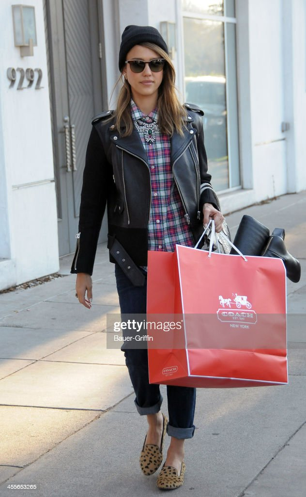 <a gi-track='captionPersonalityLinkClicked' href=/galleries/search?phrase=Jessica+Alba&family=editorial&specificpeople=201811 ng-click='$event.stopPropagation()'>Jessica Alba</a> is seen shopping on December 12, 2013 in Los Angeles, California.