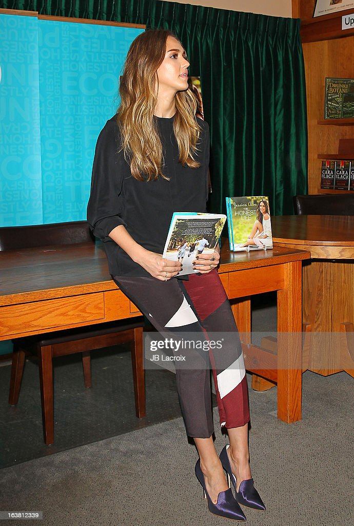 <a gi-track='captionPersonalityLinkClicked' href=/galleries/search?phrase=Jessica+Alba&family=editorial&specificpeople=201811 ng-click='$event.stopPropagation()'>Jessica Alba</a> promotes her new book 'The Honest Life' at Vroman's Bookstore on March 16, 2013 in Pasadena, California.