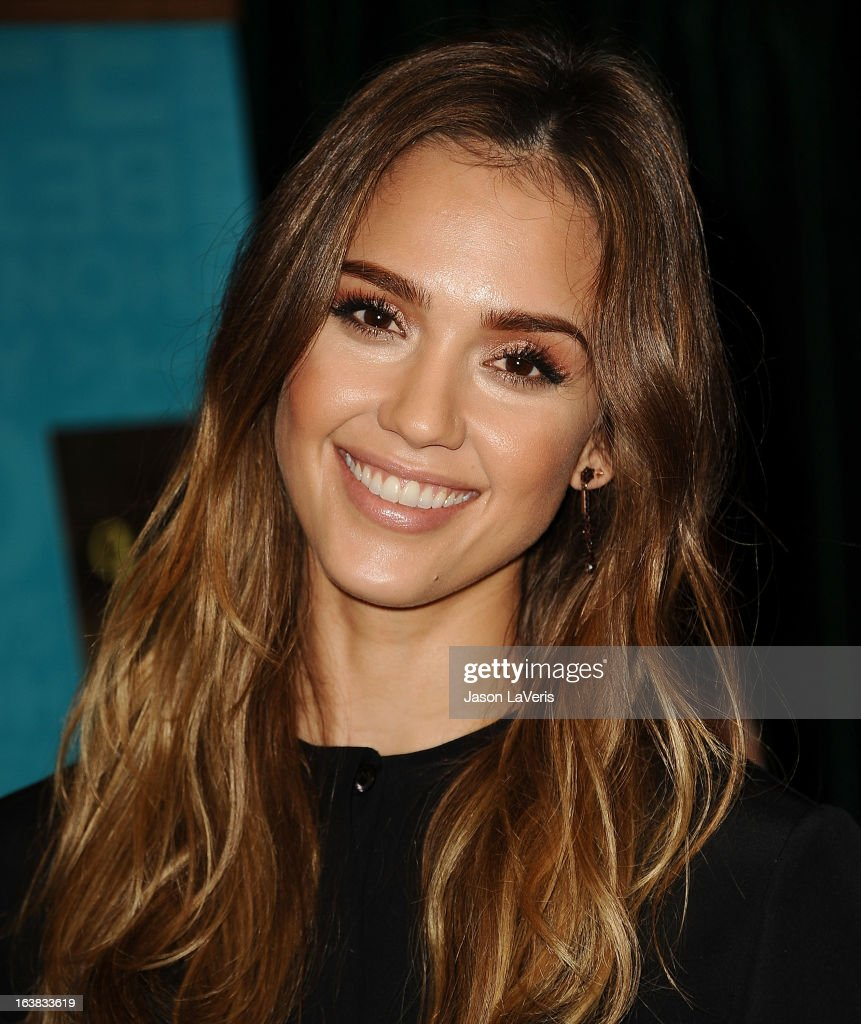 Jessica Alba signs copies of her new book 'The Honest Life' at Vroman's Bookstore on March 16, 2013 in Pasadena, California.