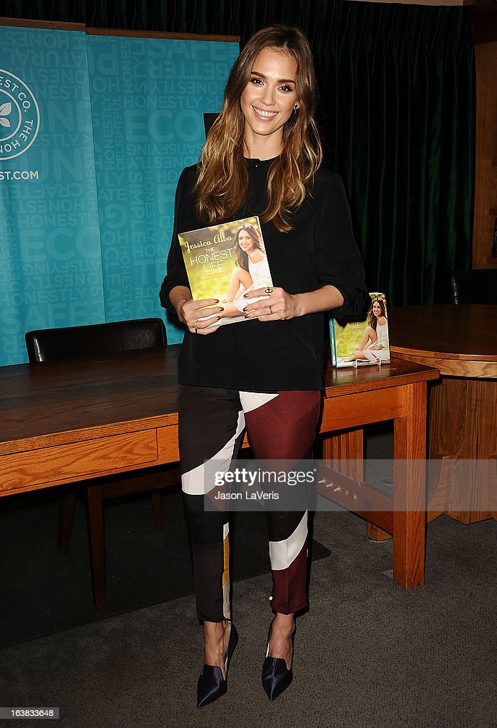 <a gi-track='captionPersonalityLinkClicked' href=/galleries/search?phrase=Jessica+Alba&family=editorial&specificpeople=201811 ng-click='$event.stopPropagation()'>Jessica Alba</a> signs copies of her new book 'The Honest Life' at Vroman's Bookstore on March 16, 2013 in Pasadena, California.