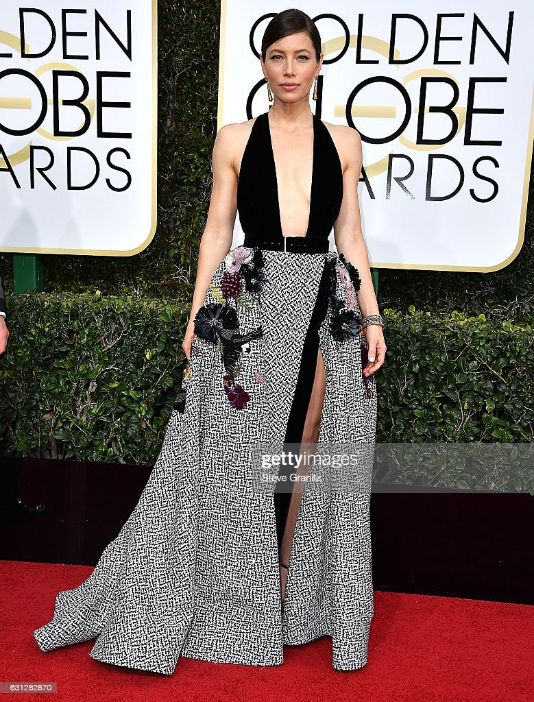 jessica-biel-arrives-at-the-74th-annual-golden-globe-awards-at-the-picture-id631282870