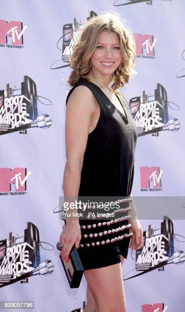 Jessica Biel arrives for the 2007 MTV Movie awards at the Gibson Amphitheatre Universal City Los Angeles