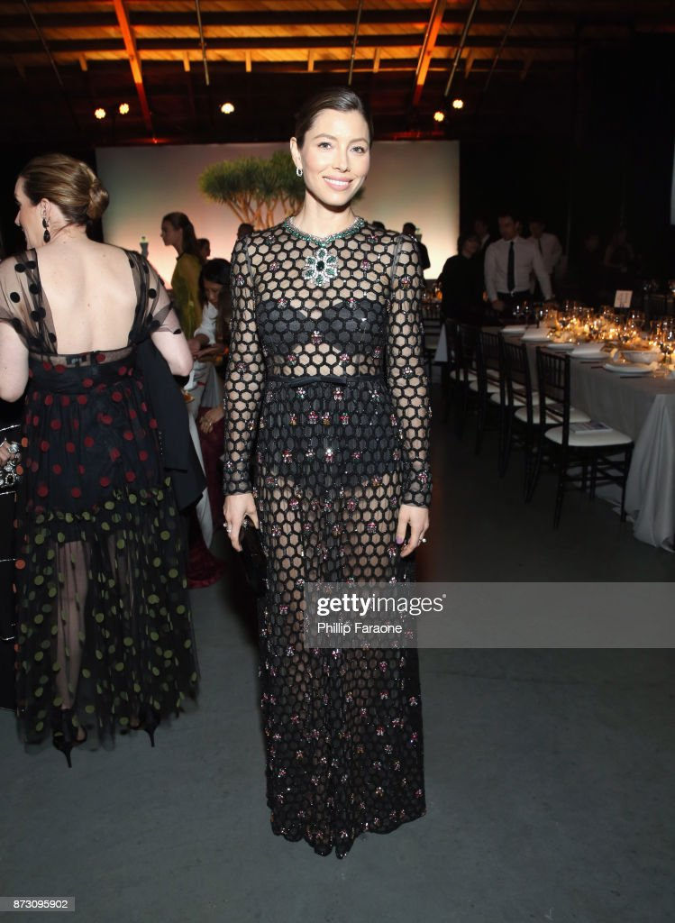 Jessica Biel attends The 2017 Baby2Baby Gala presented by Paul Mitchell on November 11, 2017 in Los Angeles, California.