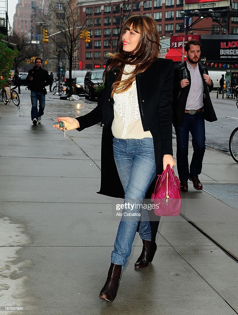 <a gi-track='captionPersonalityLinkClicked' href=/galleries/search?phrase=Jessica+Biel&family=editorial&specificpeople=203011 ng-click='$event.stopPropagation()'>Jessica Biel</a> sighting on the Streets of Manhattan on December 4, 2012 in New York City.