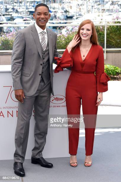 Jessica Chastain and Will Smith attend the Jury photocall during the 70th annual Cannes Film Festival at Palais des Festivals on May 17 2017 in...