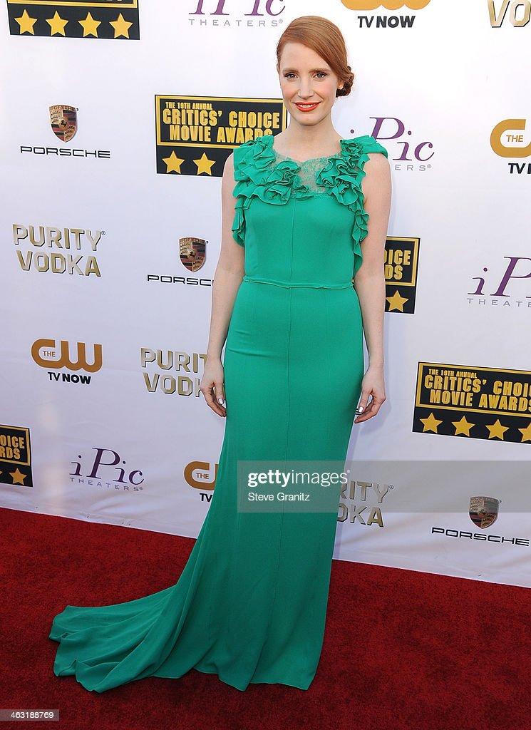 Jessica Chastain arrives at the 19th Annual Critics' Choice Movie Awards at Barker Hangar on January 16, 2014 in Santa Monica, California.
