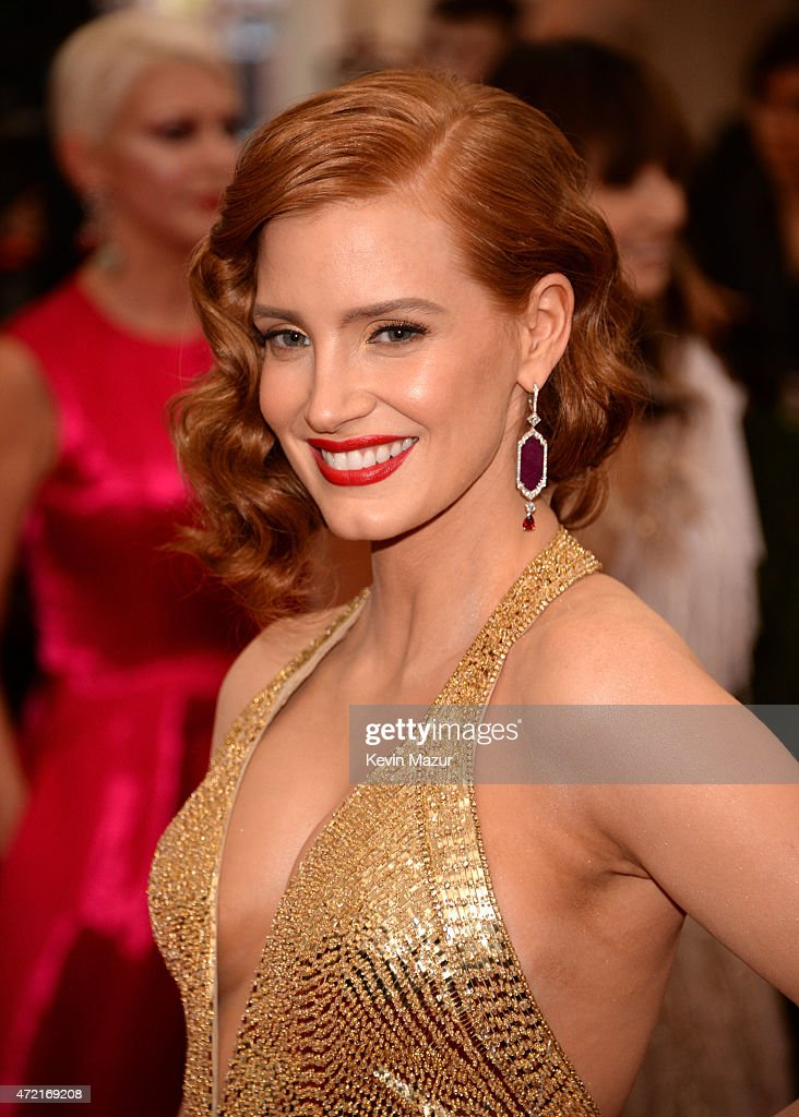 <a gi-track='captionPersonalityLinkClicked' href=/galleries/search?phrase=Jessica+Chastain&family=editorial&specificpeople=653192 ng-click='$event.stopPropagation()'>Jessica Chastain</a> attends the 'China: Through The Looking Glass' Costume Institute Benefit Gala at Metropolitan Museum of Art on May 4, 2015 in New York City.