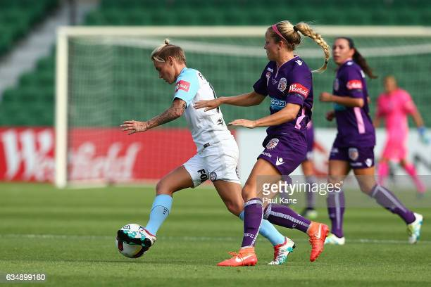 Jessica Fishlock of Melbourne City controls the ball during the 2017 WLeague Grand Final match between the Perth Glory and Melbourne City FC at nib...