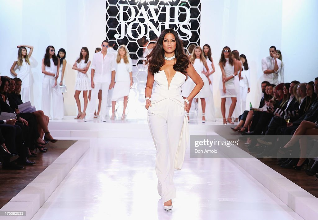 <a gi-track='captionPersonalityLinkClicked' href=/galleries/search?phrase=Jessica+Gomes&family=editorial&specificpeople=4319063 ng-click='$event.stopPropagation()'>Jessica Gomes</a> showcases designs on the catwalk at the David Jones Spring/Summer 2013 Collection Launch at David Jones Elizabeth Street on July 31, 2013 in Sydney, Australia.