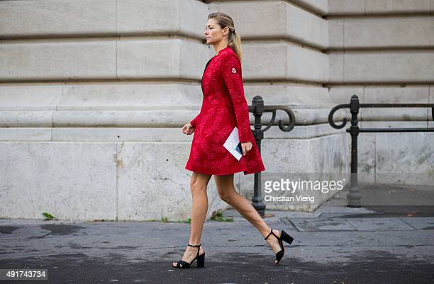 Jessica Hart at Moncler Gamme Rouge during the Paris Fashion Week Womenswear Spring/Summer 2016 on Oktober 7 2015 in Paris France