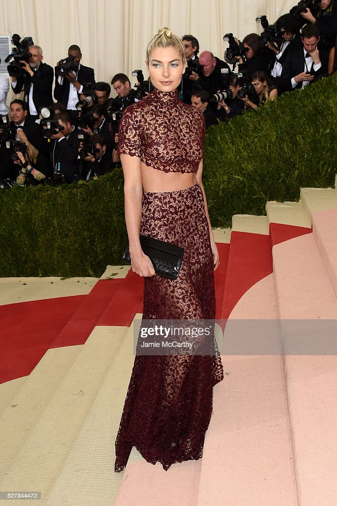 Jessica Hart attends the 'Manus x Machina: Fashion In An Age Of Technology' Costume Institute Gala at Metropolitan Museum of Art on May 2, 2016 in New York City.