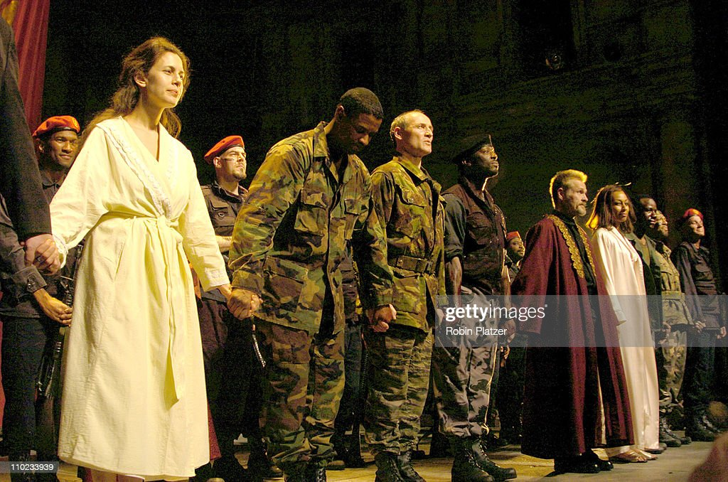 Jessica Hecht Denzel Washington and the cast during The Broadway Opening of 'Julius Caesar' starring Denzel Washington April 3 2005 at The Belasco...