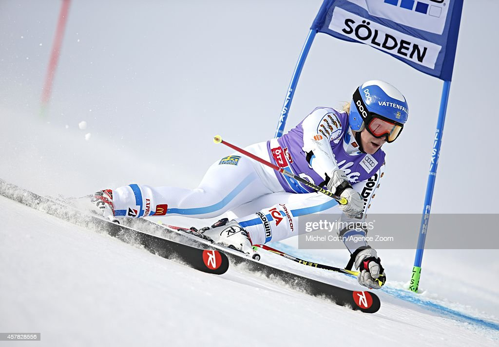 <a gi-track='captionPersonalityLinkClicked' href=/galleries/search?phrase=Jessica+Lindell-Vikarby&family=editorial&specificpeople=722573 ng-click='$event.stopPropagation()'>Jessica Lindell-Vikarby</a> of Sweden competes during the Audi FIS Alpine Ski World Cup Women' Giant Slalom on October 25, 2014 in Soelden, Austria.