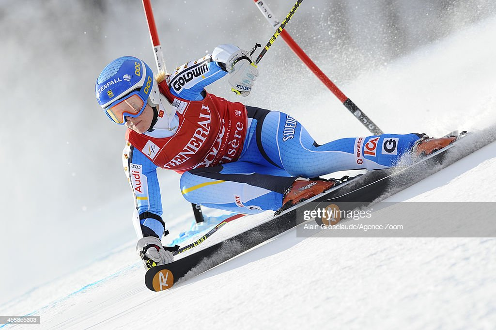 <a gi-track='captionPersonalityLinkClicked' href=/galleries/search?phrase=Jessica+Lindell-Vikarby&family=editorial&specificpeople=722573 ng-click='$event.stopPropagation()'>Jessica Lindell-Vikarby</a> of Sweden competes during the Audi FIS Alpine Ski World Cup Women's Giant Slalom on December 22, 2013 in Val d'Isere, France.