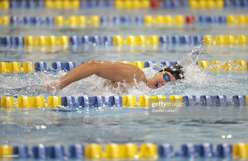 <a gi-track='captionPersonalityLinkClicked' href=/galleries/search?phrase=Jessica+Long&family=editorial&specificpeople=2905532 ng-click='$event.stopPropagation()'>Jessica Long</a> competes in the women's 400m Freestyle Multi-Class preliminaries on day 1 of the 2016 U.S. Paralympic Trials Swimming at Mecklenburg County Aquatic Center on July 1, 2016 in Charlotte, North Carolina.