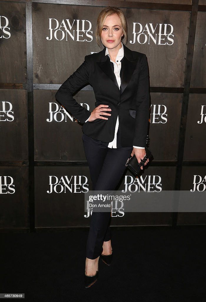 <a gi-track='captionPersonalityLinkClicked' href=/galleries/search?phrase=Jessica+Marais&family=editorial&specificpeople=5424696 ng-click='$event.stopPropagation()'>Jessica Marais</a> arrives at the David Jones A/W 2014 Collection Launch at the David Jones Elizabeth Street Store on January 29, 2014 in Sydney, Australia.