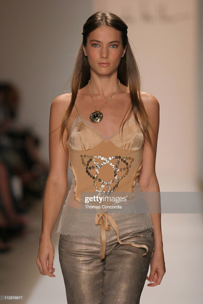 Jessica Miller wearing Nicole Miller Spring 2005 during Olympus Fashion Week Spring 2005 Nicole Miller Runway at Plaza Tent Bryant Park in New York...