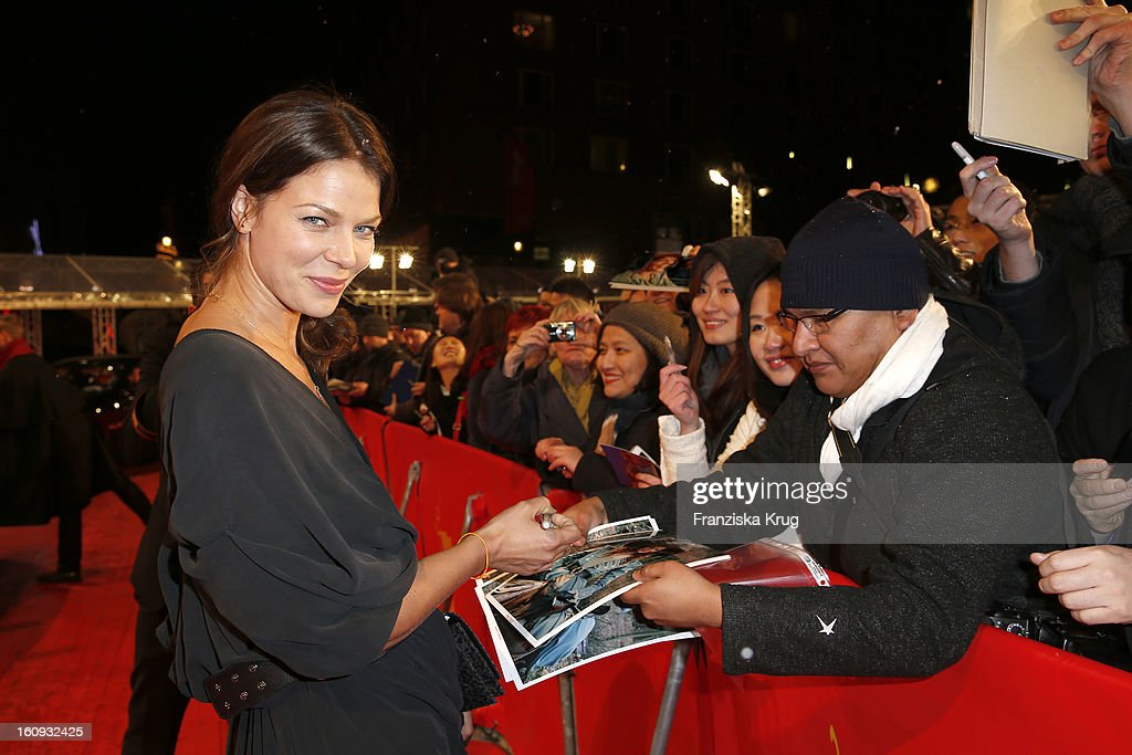 <a gi-track='captionPersonalityLinkClicked' href=/galleries/search?phrase=Jessica+Schwarz&family=editorial&specificpeople=212905 ng-click='$event.stopPropagation()'>Jessica Schwarz</a> arrives at the 'The Grandmaster' Premiere - BMW at the 63rd Berlinale International Film Festival at the Berlinale Palast on February 7, 2013 in Berlin, Germany.