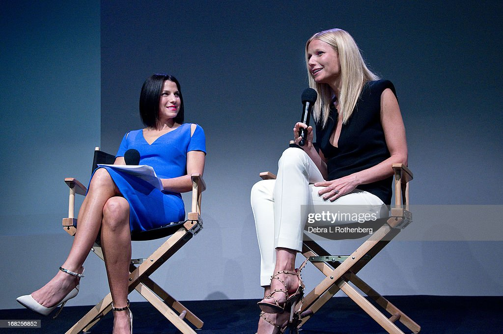 <a gi-track='captionPersonalityLinkClicked' href=/galleries/search?phrase=Jessica+Seinfeld&family=editorial&specificpeople=206558 ng-click='$event.stopPropagation()'>Jessica Seinfeld</a> and <a gi-track='captionPersonalityLinkClicked' href=/galleries/search?phrase=Gwyneth+Paltrow&family=editorial&specificpeople=171431 ng-click='$event.stopPropagation()'>Gwyneth Paltrow</a> attend Meet The Developer at the Apple Store Soho on May 7, 2013 in New York City.