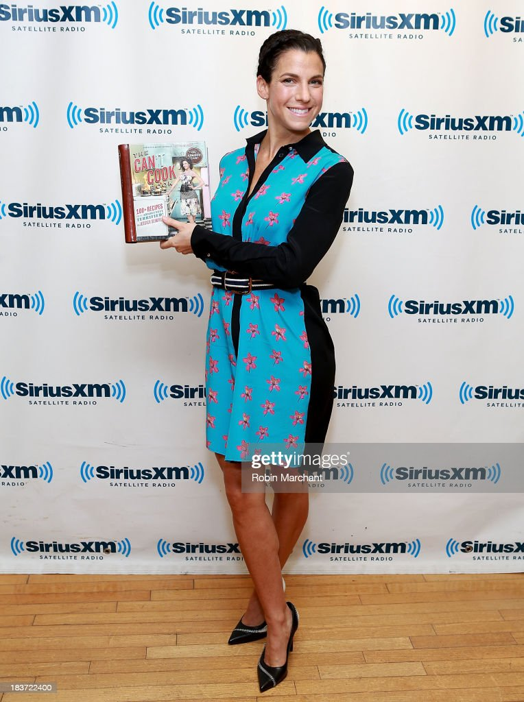<a gi-track='captionPersonalityLinkClicked' href=/galleries/search?phrase=Jessica+Seinfeld&family=editorial&specificpeople=206558 ng-click='$event.stopPropagation()'>Jessica Seinfeld</a> visits SiriusXM Studios on October 9, 2013 in New York City.