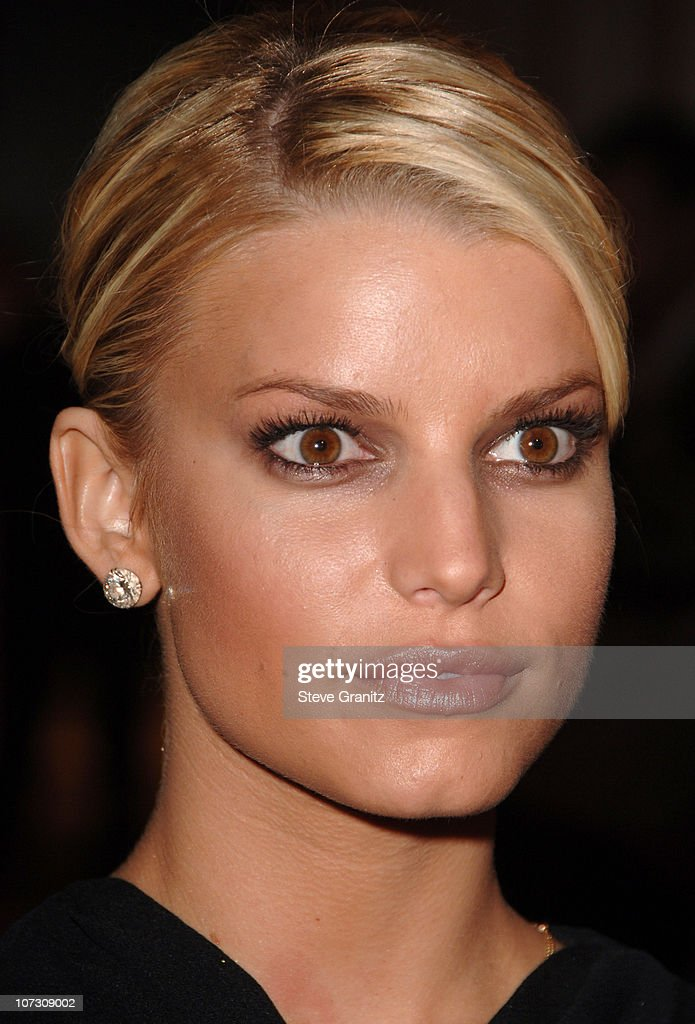 Jessica Simpson during Childrens Hospital Los Angeles 2nd Noche de Ninos Gala Honoring Johnny Depp Red Carpet at Beverly Hilton Hotel in Beverly...
