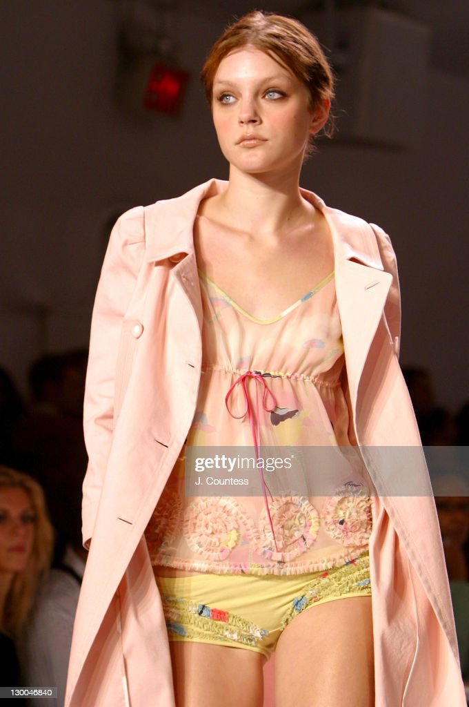 Mercedes-Benz Fashion Week Spring 2004 - BCBG Max Azria ...