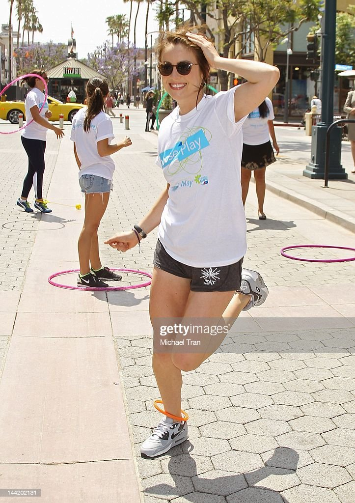 <a gi-track='captionPersonalityLinkClicked' href=/galleries/search?phrase=Jessica+Stroup&family=editorial&specificpeople=2166283 ng-click='$event.stopPropagation()'>Jessica Stroup</a> attends the American Cancer Society's 'Choose Your Movement' event held at 3rd Street Promenade on May 11, 2012 in Santa Monica, California.