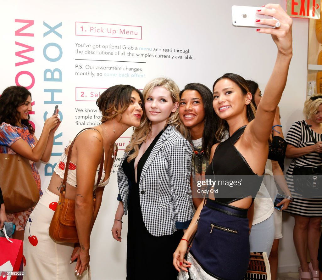 <a gi-track='captionPersonalityLinkClicked' href=/galleries/search?phrase=Jessica+Szohr&family=editorial&specificpeople=4503387 ng-click='$event.stopPropagation()'>Jessica Szohr</a>, <a gi-track='captionPersonalityLinkClicked' href=/galleries/search?phrase=Abigail+Breslin&family=editorial&specificpeople=226628 ng-click='$event.stopPropagation()'>Abigail Breslin</a>, <a gi-track='captionPersonalityLinkClicked' href=/galleries/search?phrase=Hannah+Bronfman&family=editorial&specificpeople=2569204 ng-click='$event.stopPropagation()'>Hannah Bronfman</a> and <a gi-track='captionPersonalityLinkClicked' href=/galleries/search?phrase=Jamie+Chung&family=editorial&specificpeople=4145549 ng-click='$event.stopPropagation()'>Jamie Chung</a> attend the opening of the Birchbox flagship store on July 10, 2014 in New York City.