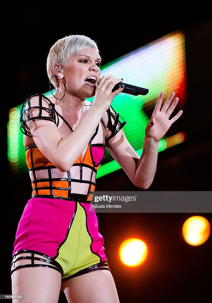 Jessie J performs on stage during a concert in the Rock in Rio Festival on September 15, 2013 in Rio de Janeiro, Brazil.