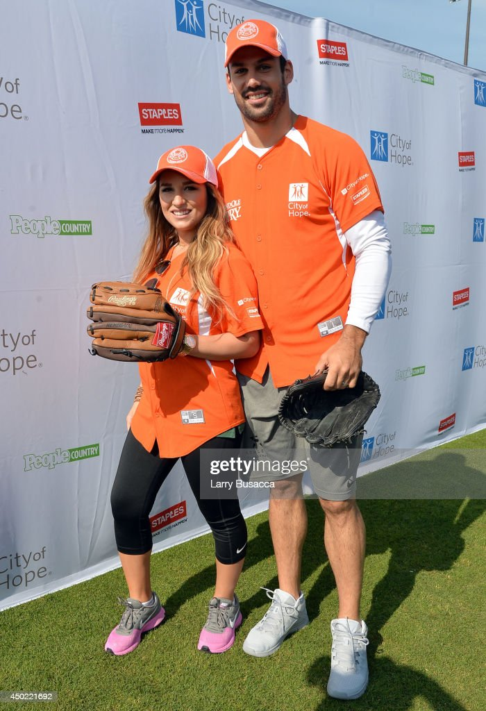 <a gi-track='captionPersonalityLinkClicked' href=/galleries/search?phrase=Jessie+James+Decker&family=editorial&specificpeople=12877618 ng-click='$event.stopPropagation()'>Jessie James Decker</a> (L) and <a gi-track='captionPersonalityLinkClicked' href=/galleries/search?phrase=Eric+Decker&family=editorial&specificpeople=3950667 ng-click='$event.stopPropagation()'>Eric Decker</a> attend the City of Hope Celebrity Softball Game during the CMA Festival at Greer Stadium on June 7, 2014 in Nashville, Tennessee.