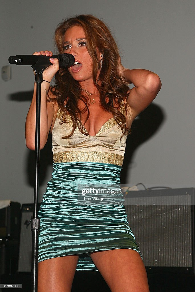 Jessie James performs during the Island Def Jam Spring Collection party at Stephen Weiss Studio on May 20, 2009 in New York City.