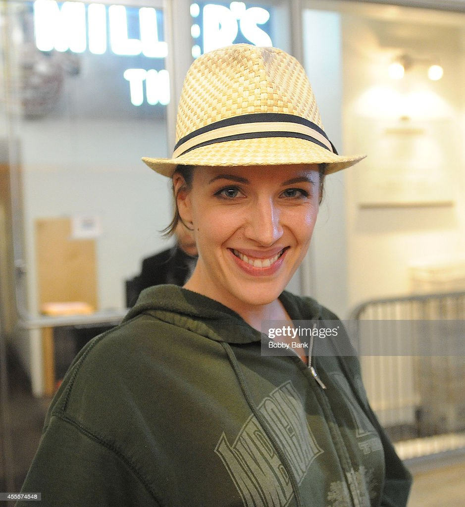 Jessie Mueller exits the Stephen Sondheim Theatre from 'Beautiful: The Carole King Musicial' on September 16, 2014 in New York City.