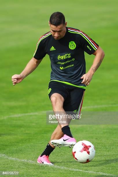 Jesus Dueñas kicks the ball during a training session at Centenario Stadium on August 28 2017 in Cuernavaca Mexico