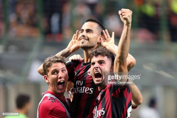 Jesus Fernandez Saez Suso of AC Milan celebrates his goal with his teammates Patrick Cutrone and Manuel Locatelli during the Serie A football match...