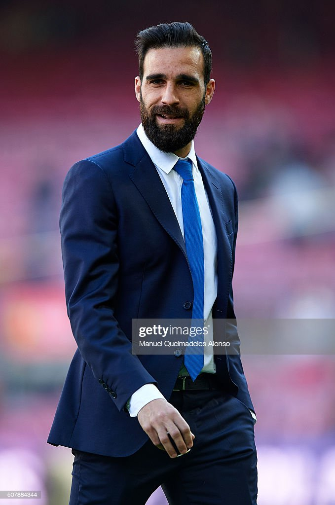 Jesus Gamez of Atletico de Madrid looks on prior to the La Liga match between FC Barcelona and Atletico de Madrid at Camp Nou on January 30, 2016 in Barcelona, Spain.