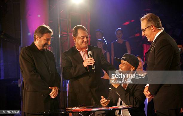 Jesus Lopez chairman of Universal Music Latin America John Echevarria president of Universal Music Latino Gerardo Williams Winner of the 2005 Nuevas...