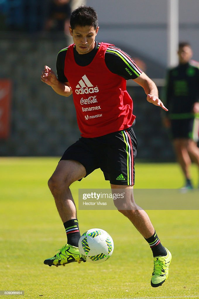 Jesus Molina drives the ball during a Mexico training session at Centro de Alto Rendimiento on February 08, 2016 in Mexico City, Mexico. Mexico will face Senegal on February 10, 2016. (Photo by Hector Vivas/LatinContent