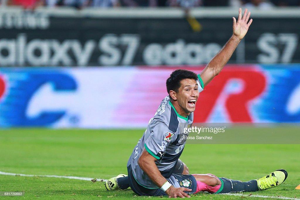 Jesus Molina of Santos Laguna reacts during the quarter finals second leg match between Pachuca and Santos Laguna as part of the Clausura 2016 Liga MX at Hidalgo Stadium on May 15, 2016 in Pachuca, Mexico.