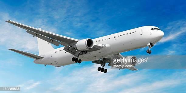 jet Avion atterrissant à bright sky