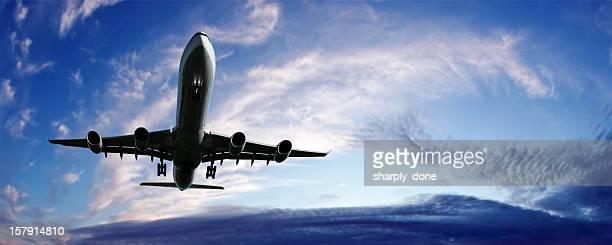 XL jet airplane landing