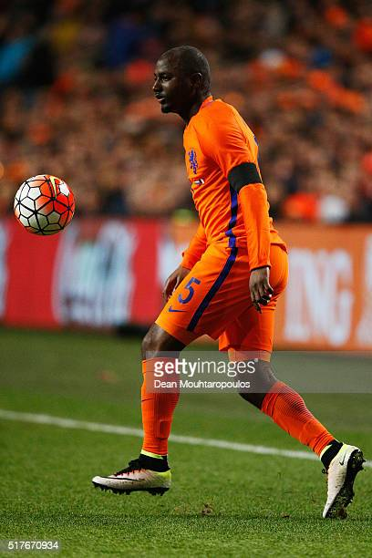 Jetro Willems of the Netherlands in action during the International Friendly match between Netherlands and France at Amsterdam Arena on March 25 2016...