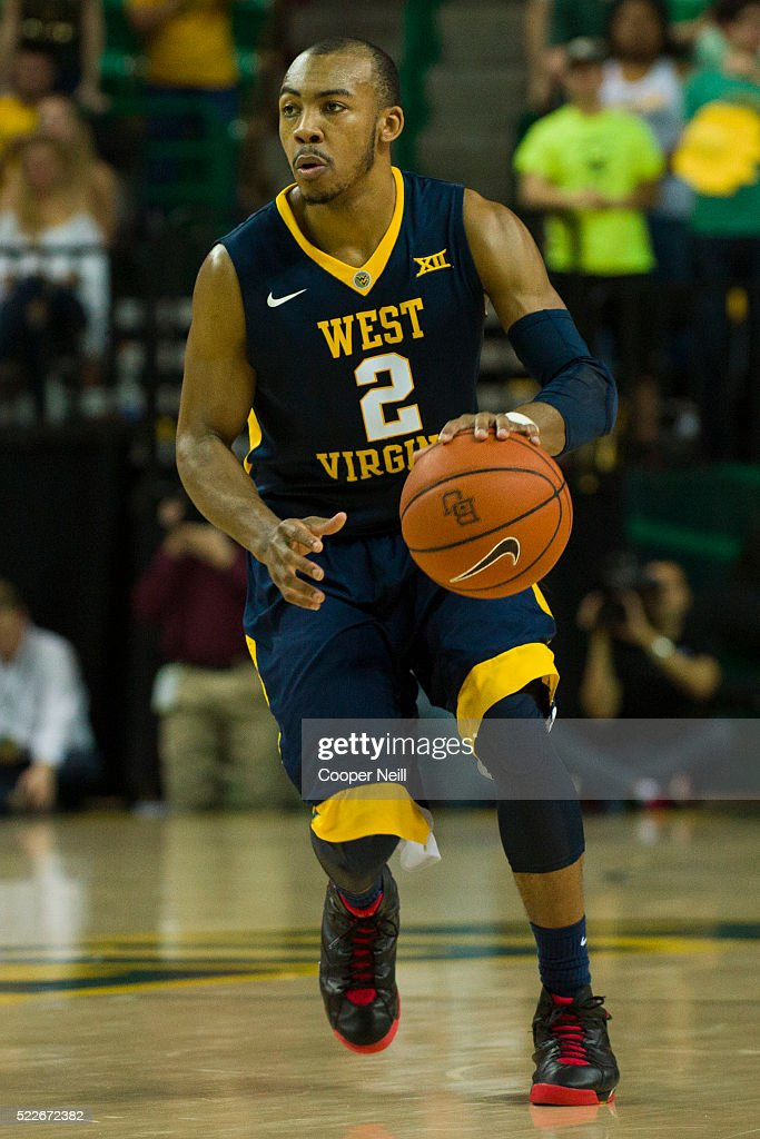 Jevon Carter of the West Virginia Mountaineers brings the ball up court against the Baylor Bears on March 5 2016 at the Ferrell Center in Waco Texas