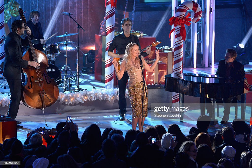 Jewel performs during 81st Annual Rockefeller Center Christmas Tree Lighting Ceremony at Rockefeller Center on December 4, 2013 in New York City.