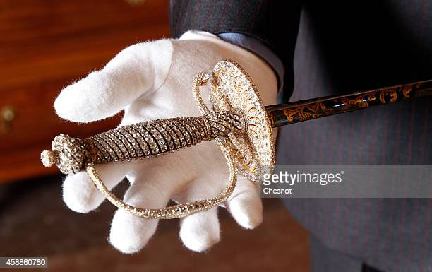 A jeweled dress sword from the Napoleonic collection of the Palais de Monaco is displayed on November 12 2014 in Fontainebleau France The sale of the...