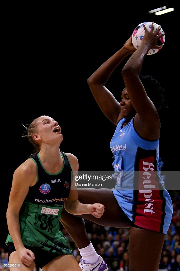 Jhaniele Fowler-Reid (R) grabs the ball ahead of Courtney Bruce of the Fever during the ANZ Championship match between the Steel and the Fever on April 30, 2016 in Invercargill, New Zealand.