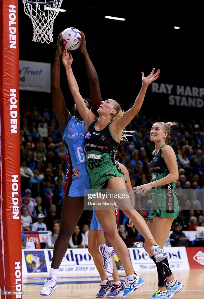 Jhaniele Fowler-Reid (L) of the Steel and April Brandley compete for the ball during the ANZ Championship match between the Steel and the Fever on April 30, 2016 in Invercargill, New Zealand.