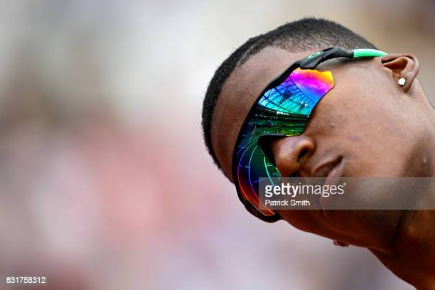 Jhon Alejandro Perlaza of Colombia competes in the Men's 4x400 Meters Relay heats during day nine of the 16th IAAF World Athletics Championships...